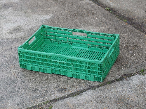 QuiK CRATE- 604010. STACKING VENTED CONTAINER