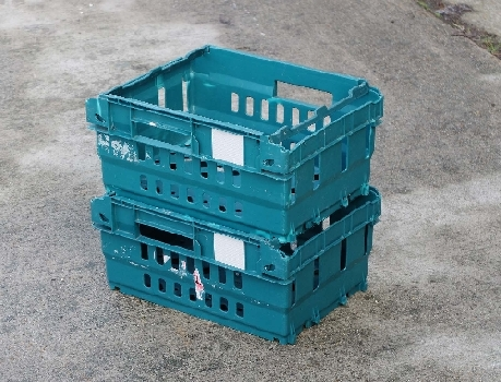 Stack & Nest Trays ventilated